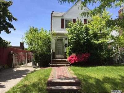 Fresh Meadows Single Family Home For Sale: 75-58 190th St
