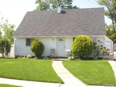 E. Rockaway Single Family Home For Sale: 1 Chatham Ct