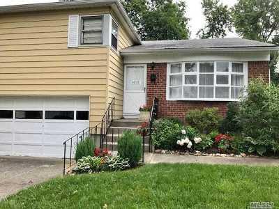 Douglaston, Little Neck, Douglas Manor Single Family Home For Sale: 47-27 243rd St
