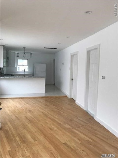 Woodmere Single Family Home For Sale: 83 Centre St