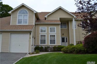 Port Jefferson Condo/Townhouse For Sale: 3 Princess Tree Ct