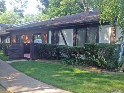 Medford Condo/Townhouse For Sale: 715 Blue Ridge Dr