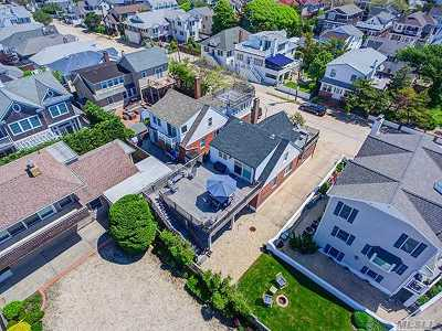 Point Lookout Single Family Home For Sale: 141 Freeport Ave