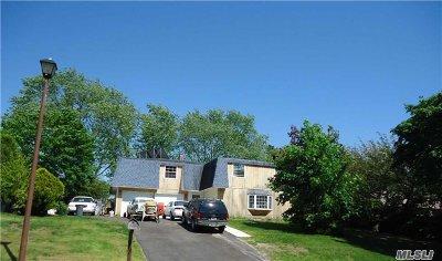 Medford Single Family Home For Sale: 21 Clusterpine St
