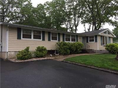 E. Setauket Single Family Home For Sale: 21 Lodge Ln