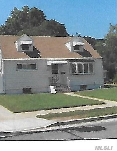 W. Hempstead Single Family Home For Sale: 516 Barbara Ln