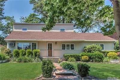 Nassau County Single Family Home For Sale: 852 Kallas Ct