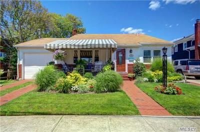 Atlantic Beach Single Family Home For Sale: 2064 Bay Blvd
