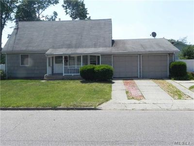 Pt.jefferson Sta Multi Family Home For Sale: 28 Gaymore Rd