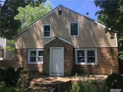 Farmingville Single Family Home For Sale: 212 Blue Point Rd