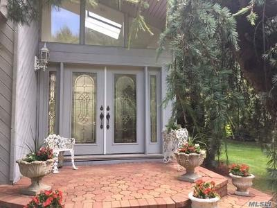 Port Jefferson Single Family Home For Sale: 37 Roslyn Ct