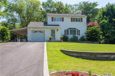 Middle Island Single Family Home For Sale: 19 Flicker Dr