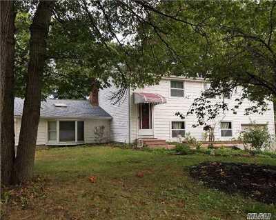 Setauket Single Family Home For Sale: 48 Arrowhead Ln