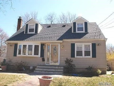 Huntington Single Family Home For Sale: 49 W 13 Street