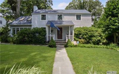 Glen Head Single Family Home For Sale: 12 Polly Ln