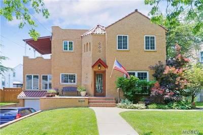 Single Family Home For Sale: 260 Frankel Blvd