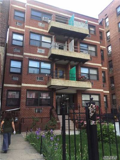 Woodside Condo/Townhouse For Sale: 41-14 68 St #1D