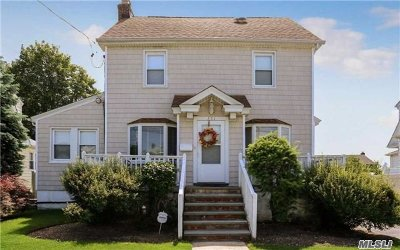 Hewlett Single Family Home For Sale: 351 Hewlett Pky