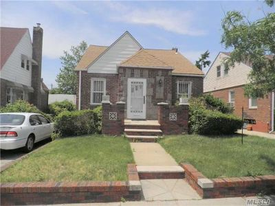 Single Family Home For Sale: 115-54 226th St