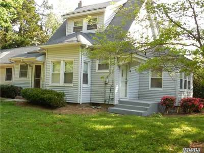 Port Jefferson Single Family Home For Sale: 19 Pine Hill Rd