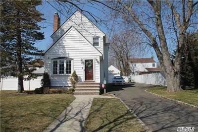 Malverne Single Family Home For Sale: 63 School St