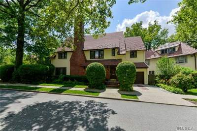 Forest Hills Single Family Home For Sale: 147 Whitson St