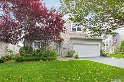 Hauppauge Single Family Home For Sale: 7 Hamlet Dr