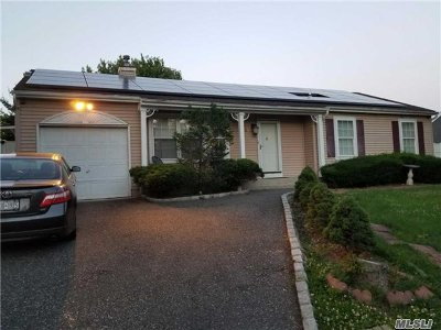 central Islip Single Family Home For Sale: 50 Peters Blvd
