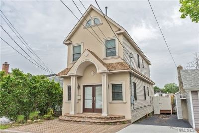 Bellmore Single Family Home For Sale: 210 Lee Pl