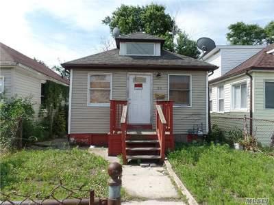 Long Beach Single Family Home For Sale: 82 E Pine St