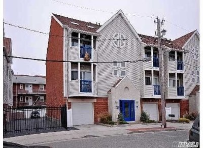 Long Beach NY Condo/Townhouse For Sale: $649,900