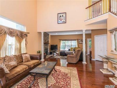 S. Setauket Condo/Townhouse For Sale: 55 Sunflower Ridge Rd