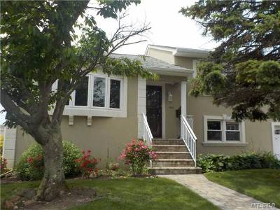Single Family Home For Sale: 442 S Long Beach Ave