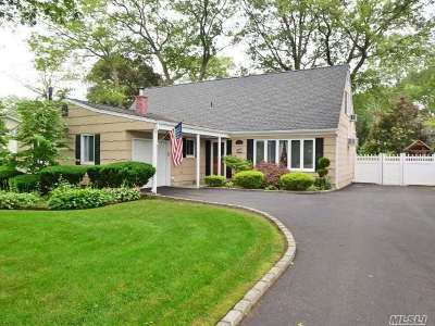 Ronkonkoma Single Family Home For Sale: 614 1st St