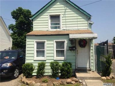 Westbury Single Family Home For Sale: 170 Grant St
