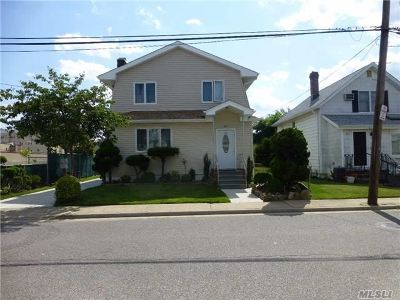 Woodmere Multi Family Home For Sale: 47 Hartwell Pl