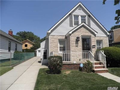 Fresh Meadows Single Family Home For Sale: 48-41 186 St