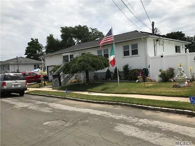 Amity Harbor NY Single Family Home For Sale: $349,000