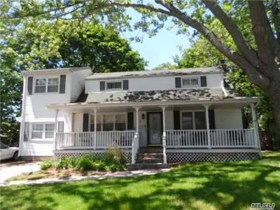 Lake Ronkonkoma Single Family Home For Sale: 18 Dennis Dr