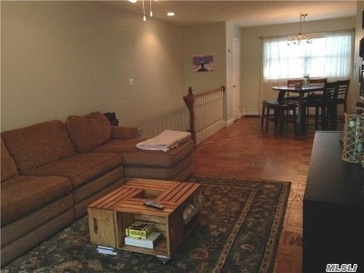 Hauppauge NY Condo/Townhouse For Sale: $215,000