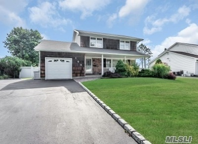 Smithtown Single Family Home For Sale: 165 Fifty Acre South Rd