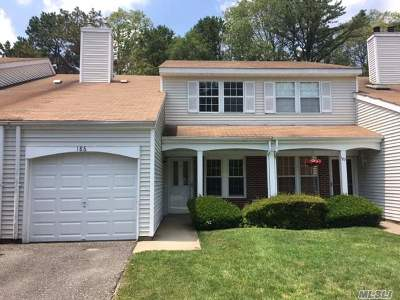 Middle Island Condo/Townhouse For Sale: 186 Haddon Hollow Ct