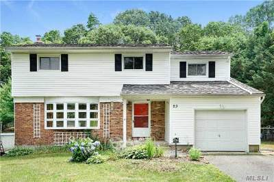 Hauppauge Single Family Home For Sale: 23 Autumn Dr