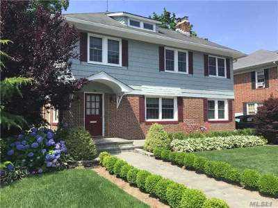 Woodmere Single Family Home For Sale: 83 Burton Ave