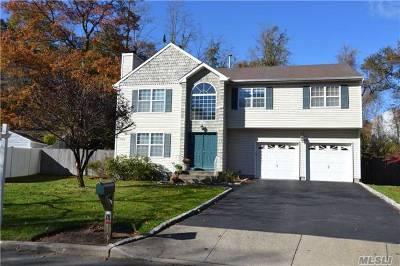 Nesconset Single Family Home For Sale: 18 Mayfair Ct