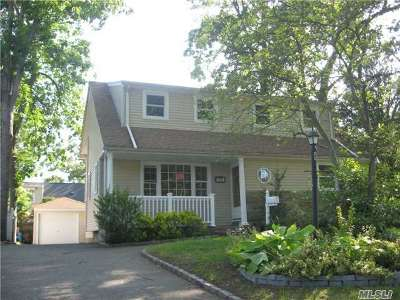 Malverne Single Family Home For Sale: 71 Chestnut St