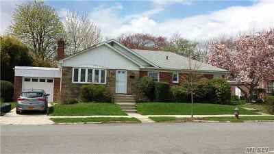 Fresh Meadows Single Family Home For Sale: 56-18 174 St