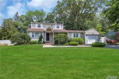 Smithtown Single Family Home For Sale: 6 Wildwood Ln
