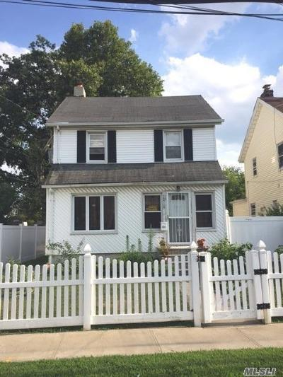 Fresh Meadows Single Family Home For Sale: 164-18 71st Ave