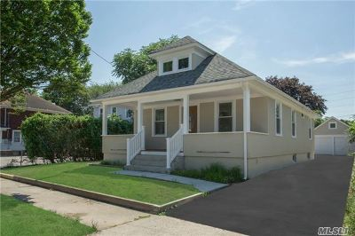 Bay Shore Single Family Home For Sale: 152 5th Ave